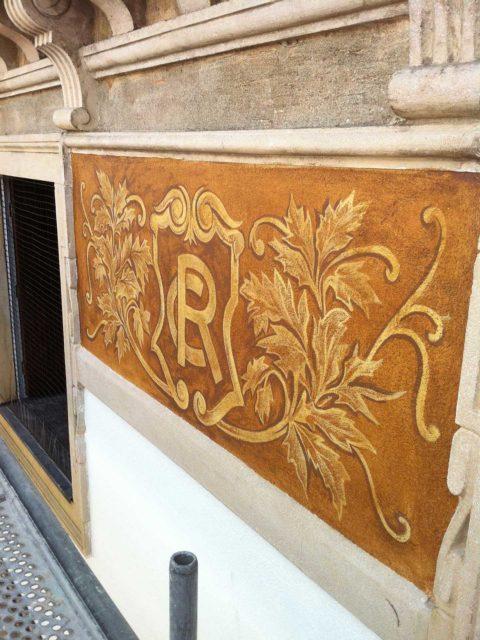 affreschi-su-palazzo-ristrutturati